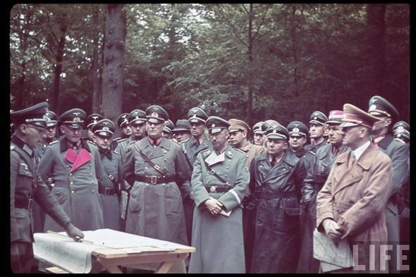 100 цветных фотографий третьего рейха. Изображение №73.
