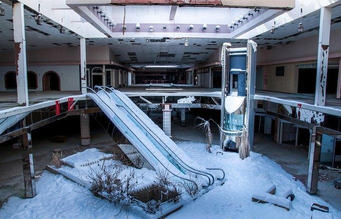 Фото: заброшенный торговый центр в США. Изображение № 1.