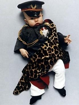 Коллекция костюмов мировых диктаторов для детей. Изображение № 8.