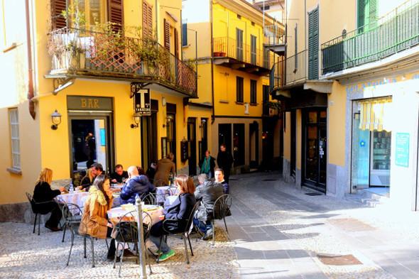 Уличное кафе в Белладжо. Изображение № 49.