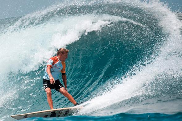 Новички пусть сидят дома: Сергей Мысовский о серфинге на Гавайях, Таити и других любимых местах. Изображение № 7.