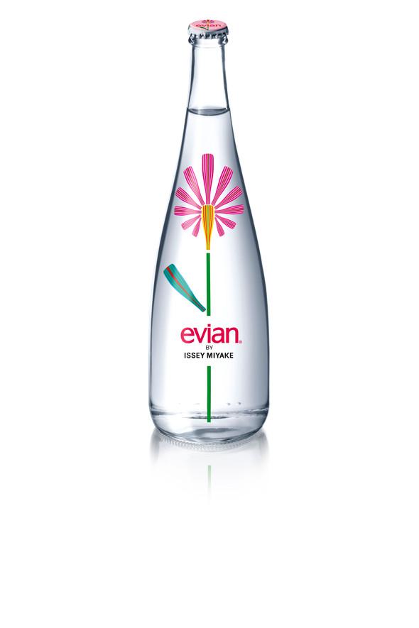 Цветочный дизайн новой бутылки еvian. Изображение № 2.