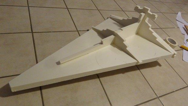 Энтузиаст собрал дрон в виде имперского крейсера. Изображение № 7.