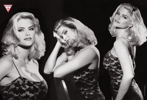 Архивная съёмка: Анна Николь Смит для кампании Guess, 1993. Изображение № 6.