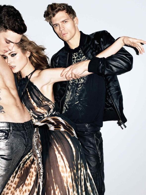 Кампания: Терри Ричардсон для Just Cavalli SS 2012. Изображение № 11.