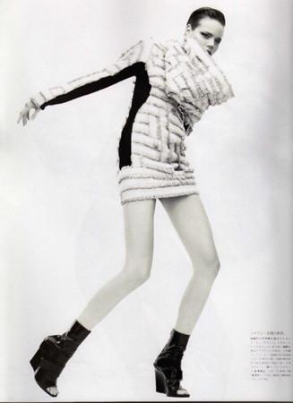 Фрея Беха Эриксен в японском Vogue, 2008. Изображение № 30.