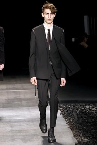 Неделя моды в Париже: мужские показы. Изображение № 80.