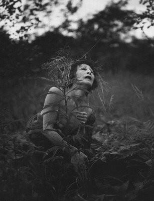 Еще восемь фотографов сюрреалистов. Изображение № 123.