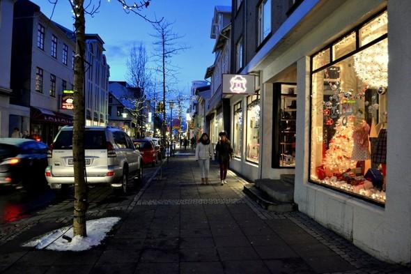 Рейкьявик перед Рождеством. Изображение № 22.