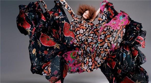 Архивная съёмка: Сольве Сундсбо и Полина Куклина для V, 2004. Изображение № 5.