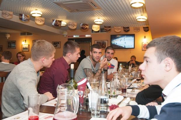 """Андрей Тихонов отпраздновал день рождения в ресторане """"Колбасофф"""". Изображение № 9."""