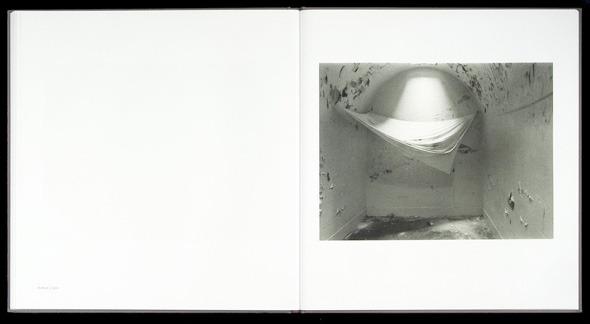 Закон и беспорядок: 10 фотоальбомов о преступниках и преступлениях. Изображение № 43.