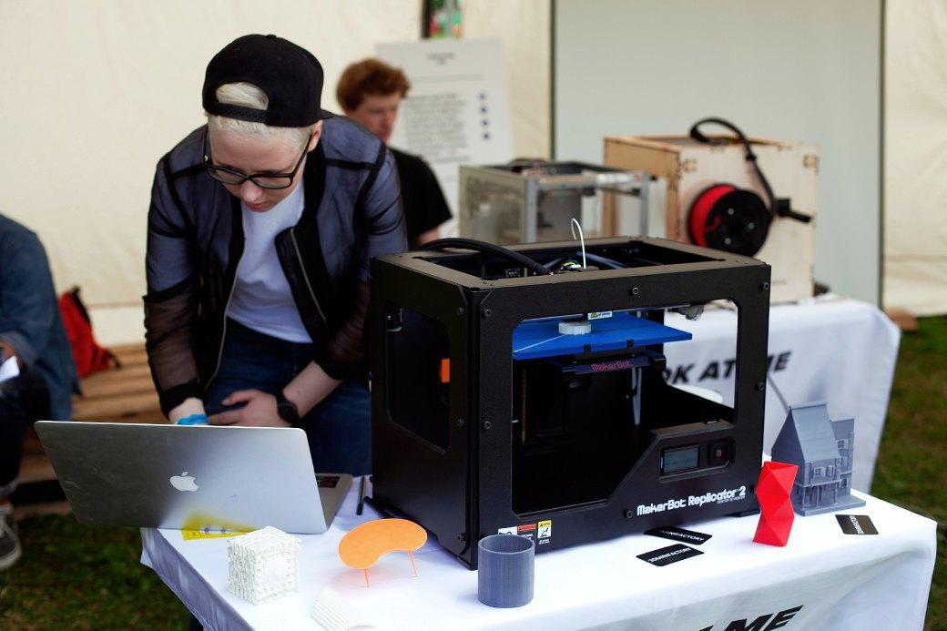 Один из лучших на сегодняшний день домашних 3D-принтеров MakerBot Replicator 2.. Изображение № 7.