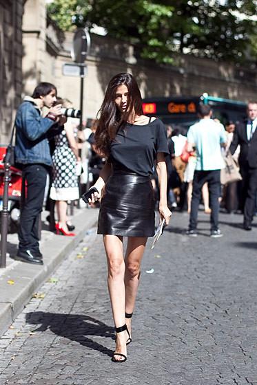 Уличный стиль на Неделе высокой моды в Париже. Изображение № 72.