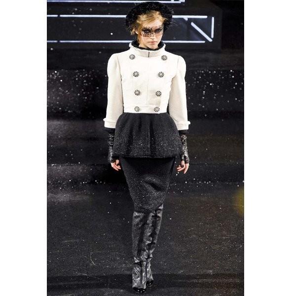 Изображение 2. Показ коллекции Chanel Haute Couture FW 2011.. Изображение № 2.