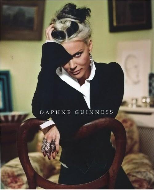 Книга Валери Стил о Дафне Гиннесс вышла в этом году. Изображение № 3.