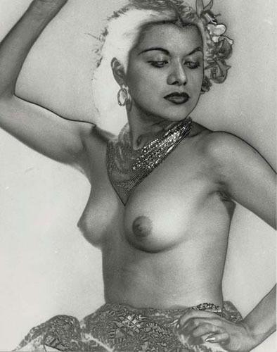 Части тела: Обнаженные женщины на винтажных фотографиях. Изображение №68.