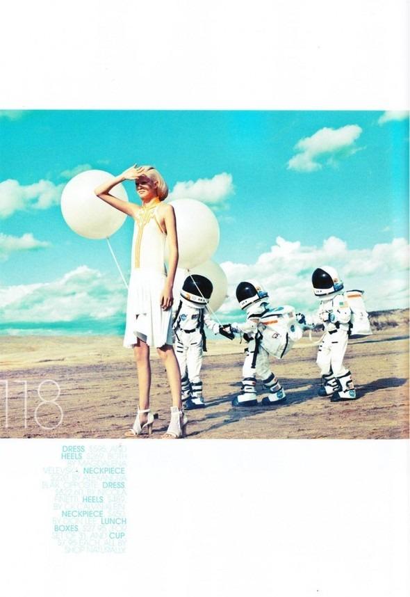 Космос рядом: модные съемки к выходу фильма «Прометей». Изображение №4.