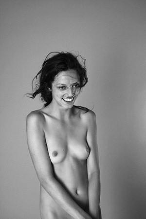 Части тела: Обнаженные женщины на фотографиях 1990-2000-х годов. Изображение №261.