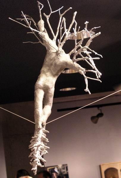Скульптуры Джерзи Кедзиоры, парящие в воздухе. Изображение № 36.