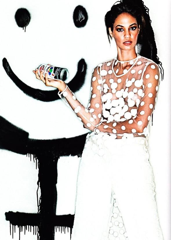 Съёмка: Джоан Смоллс для Elle. Изображение № 5.