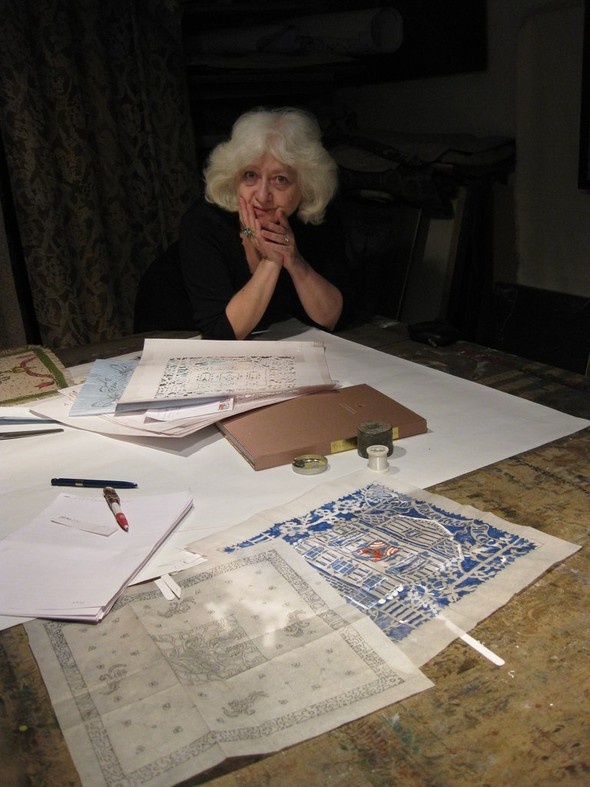 Ручная набойка по ткани: Е.А.Шнайдер и Н.Чурбакова. Изображение № 3.
