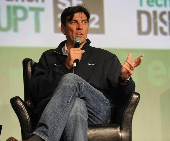 Генеральный директор AOL Тим Армстронг выступает на конференции TechCrunch в сентябре 2012 года. Изображение № 1.