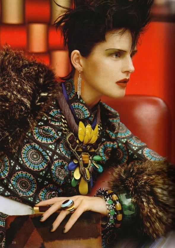 Съёмка: Стелла Теннант для британского Vogue. Изображение № 11.