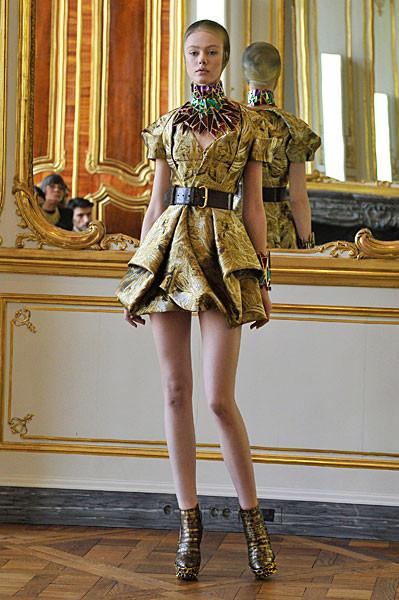 Последняя коллекция Alexander McQueen. Изображение № 5.