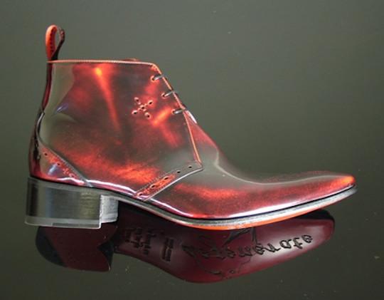 Обувь в свете красных фонарей. Изображение № 4.