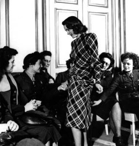 Костюм впериод рецессии: сегодня ив 1940-х. Изображение № 8.