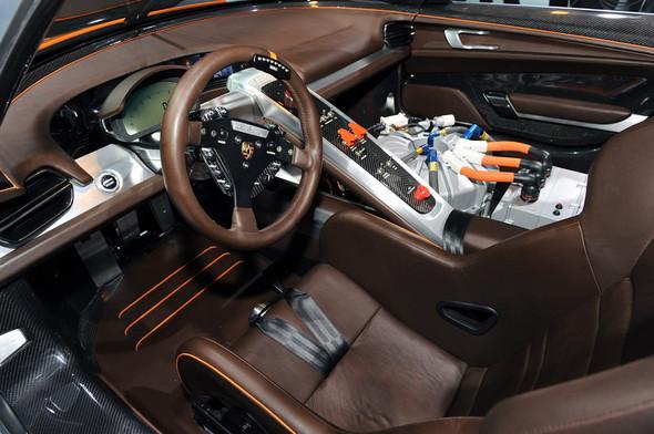 Немцы предъявили миру Porsche 918 RSR Hybrid. Изображение № 2.