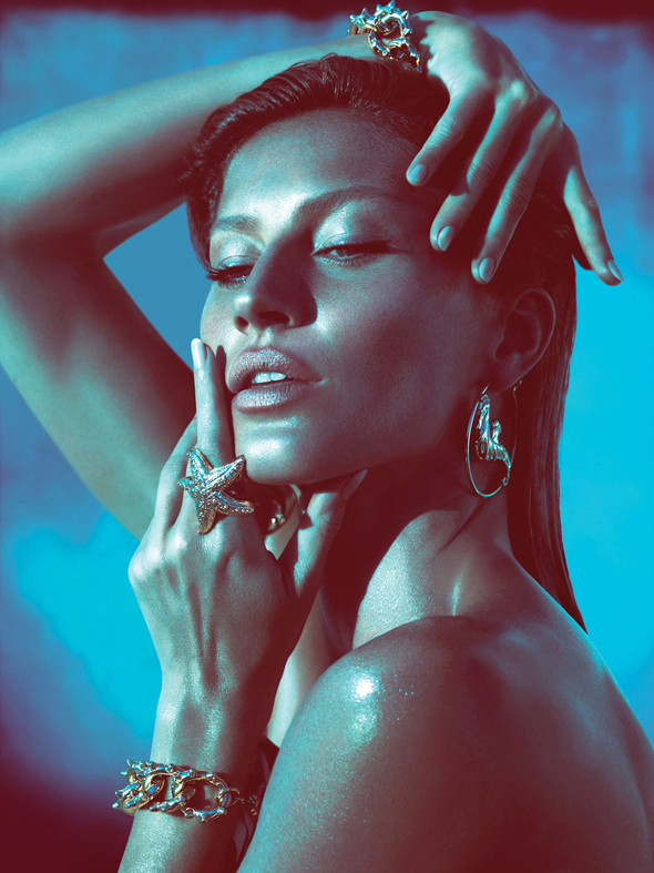 Кампания: Жизель Бундхен для Versace SS 2012. Изображение № 1.