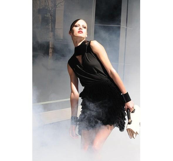 Chanel и Emporio Armani устроили публичные съемки. Изображение № 14.
