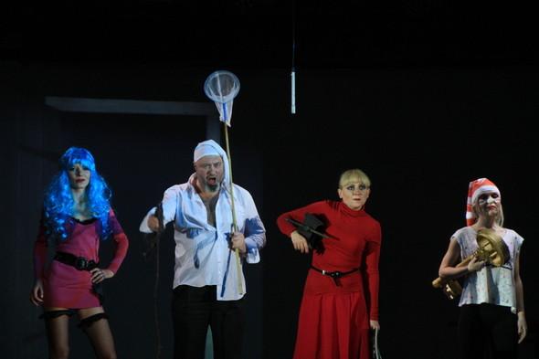 Театральное диво прошлой недели: Сны Василисы Егоровны Подеревянского. Изображение № 13.