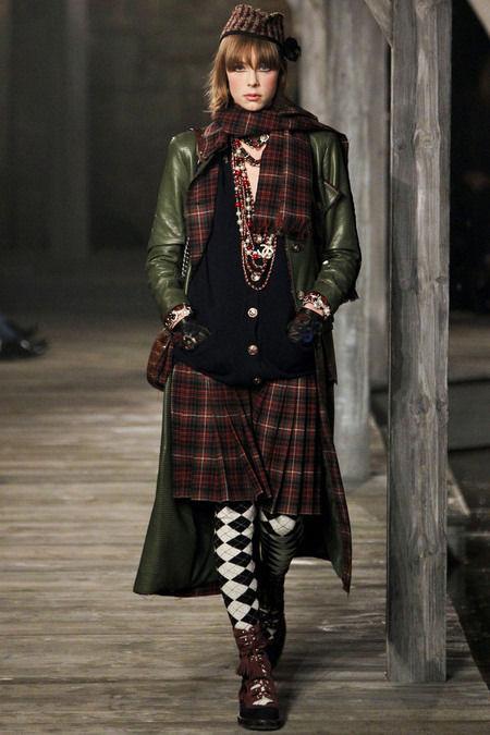 В Шотландии прошел предосенний показ Chanel. Изображение № 11.
