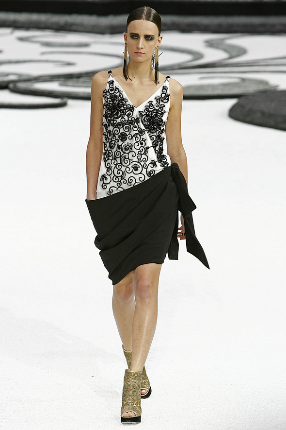 Карл Лагерфельд показал одну из самых красивых коллекций, когда-либо созданных для Chanel. Изображение № 53.