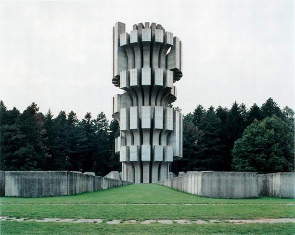 ЯнКемпенаэрс. Югославские споменики. Изображение № 6.