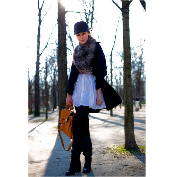 Луки с Недели моды в Париже. Изображение № 29.