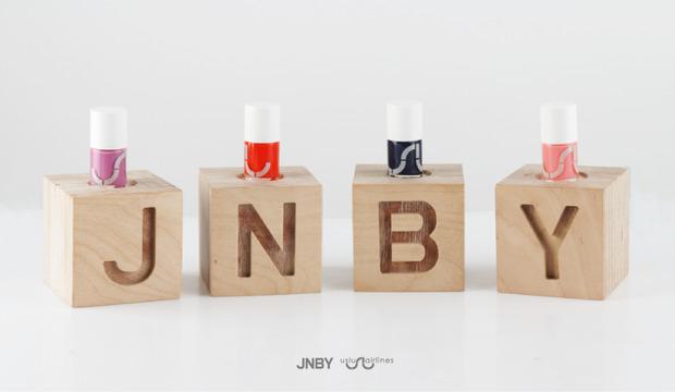 JNBY объявляет о коллаборации с культовой маркой Uslu Airlins. Изображение № 1.