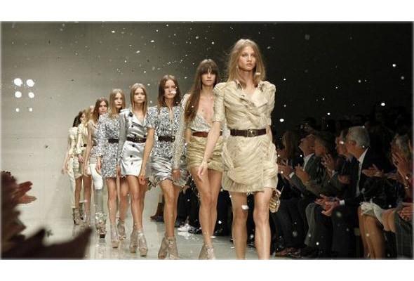 Модные показы online. Изображение № 1.