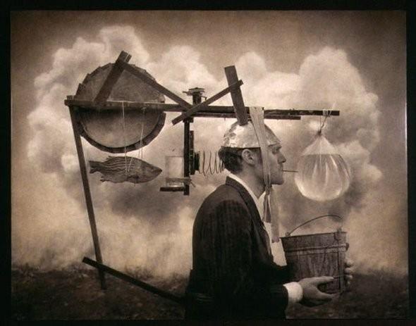 Еще восемь фотографов сюрреалистов. Изображение № 17.