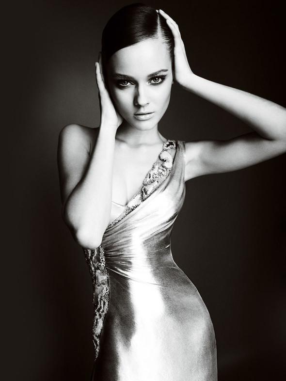 Atelier Versace FW 2010. Изображение № 12.
