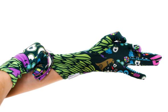 Цветные перчатки молодой марки Ena. Изображение № 6.