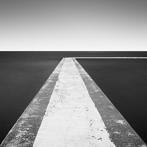Черно-белая геометрия. Изображение № 6.