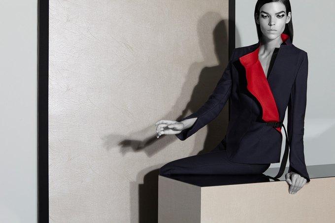Вышли новые кампании Acne, Dior и Prada. Изображение № 9.