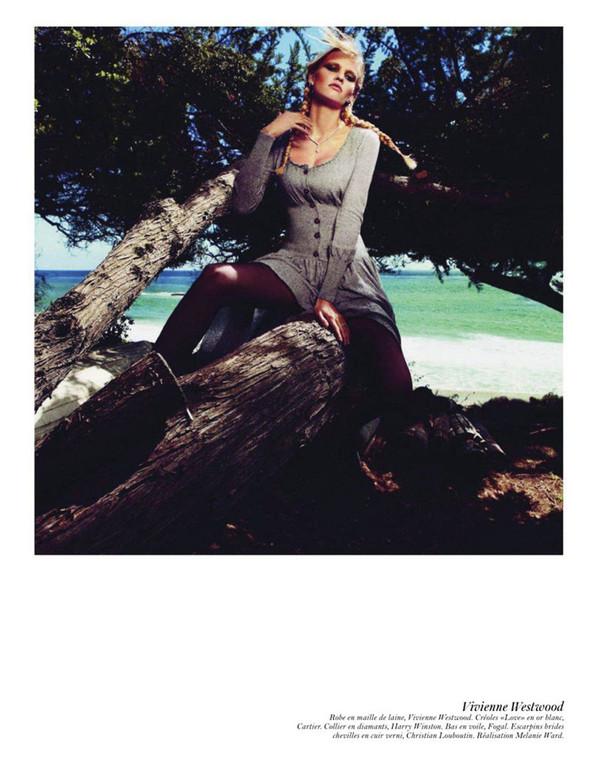 Съёмка: Аризона Мьюз, Лара Стоун, Наташа Поли и другие модели во французском Vogue. Изображение № 53.
