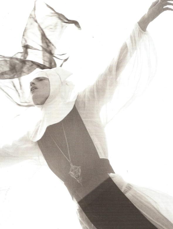 Архивная съёмка: Монахини и роботы в объективе Стивена Мейзела, 2006. Изображение № 15.
