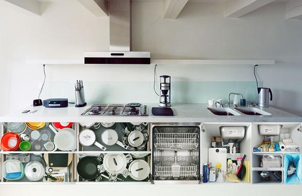 Кухонный вопрос: Гарнитуры и кухни в съемках Эрика Кляйна. Изображение № 4.