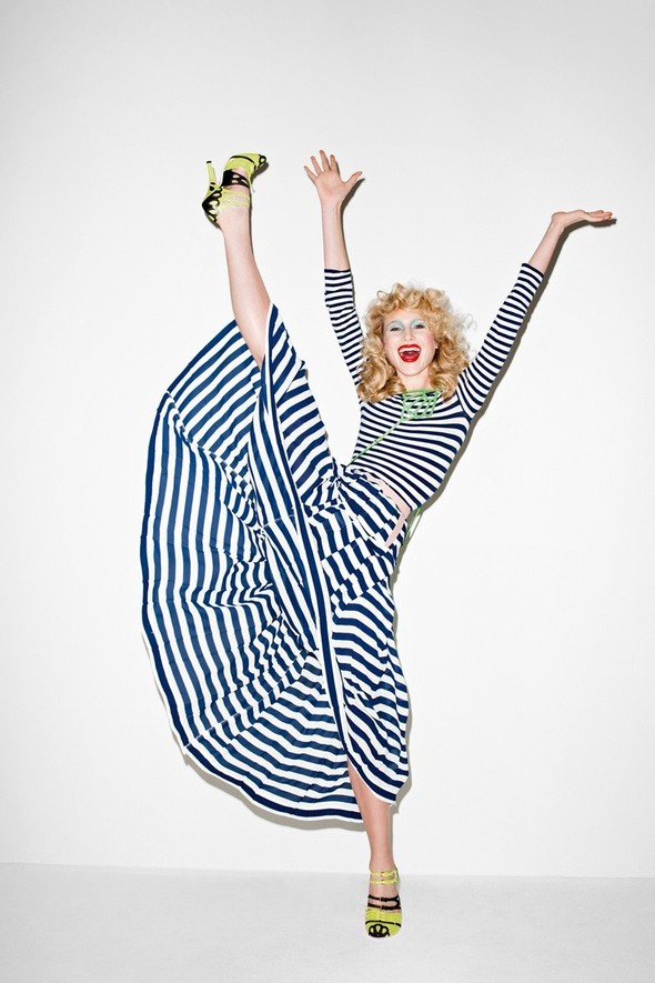 Съёмка: Терри Ричардсон для Purple Fashion. Изображение № 27.